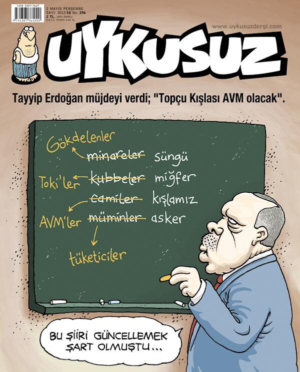"""Couverture d'Uykusuz : La première ligne fait référence à la strophe originale de l'hymne turc : """"Les minarets sont nos baïonnettes"""", et le mot """"Minarets"""" est remplacé par """"gratte-ciels"""". La dernière ligne fait référence à la strophe """"Les croyants sont nos soldats"""", et le mot """"croyants"""" est remplacé par """"consommateurs""""."""